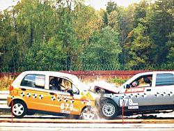 Авто-тест: Краш-тест: лобовая атака между Daewoo Matiz и Lada 2112