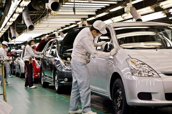 Авто-новости: Люди гибнут за Toyota