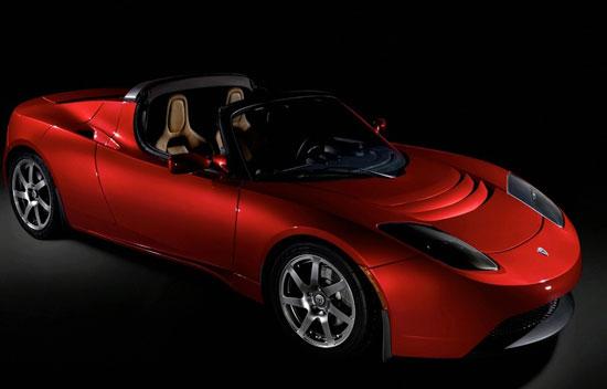 """Авто-новости: Зарядка """"розеточного"""" родстера от Tesla отнимет у американцев почти весь уикенд"""