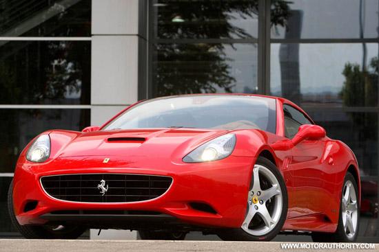 Авто-новости: Ferrari California в разных ракурсах