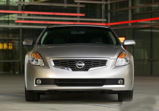 Авто-новости: Новая старая модель Nissan в четырех обличьях