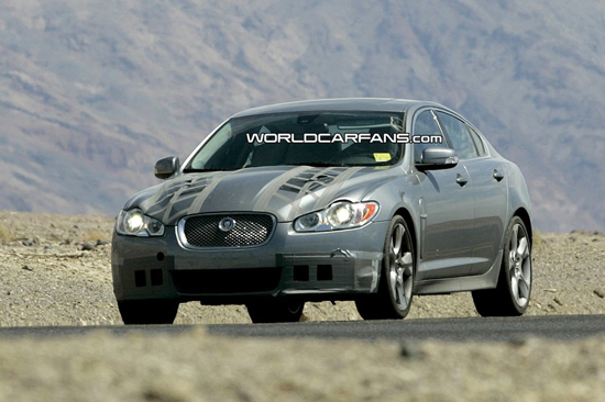 Авто-новости: Jaguar XF-R обитает в пустыне
