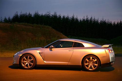Авто-новости: Топ-20 спорткаров текущего года по версии Auto Express