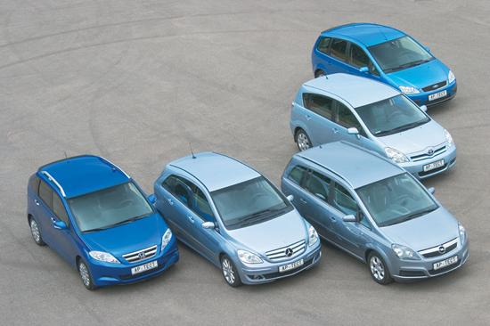 Акции: УкрАвто на треть снижает цены на автомобили - и зовет это акцией