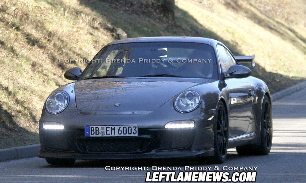 Обновленный Porsche 911 GT3 RS все ближе к конвейеру
