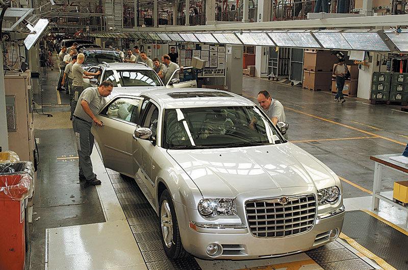 Управление Fiat считает зарплату рабочих Chrysler очень высокой