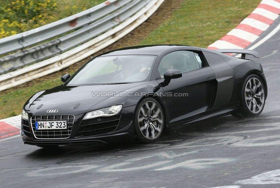 Audi R8 V10 Фото от папарации