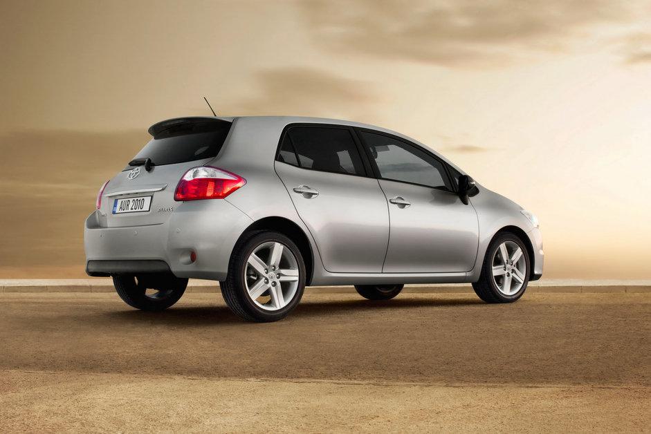 Toyota Auris первые официальные фотографии