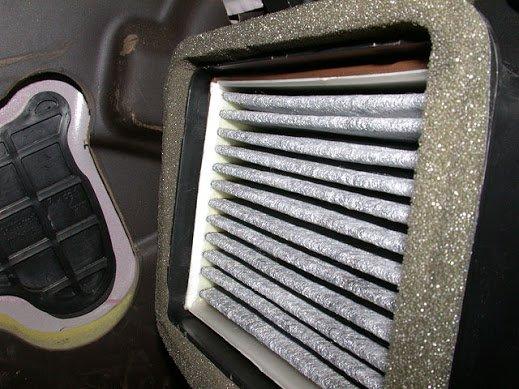 Фильтр в салоне автомобиля