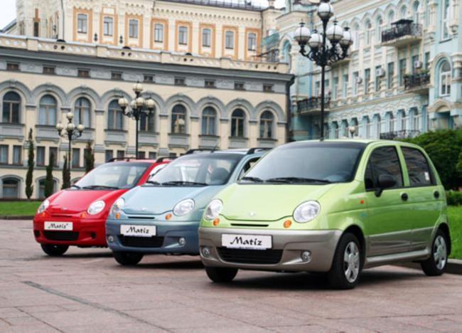 Три машины марки Daewoo Matiz