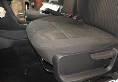 Как снять переднее сиденье самостоятельно?
